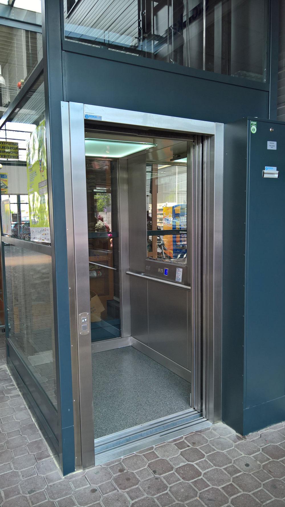 nowa winda przy warzywniaku